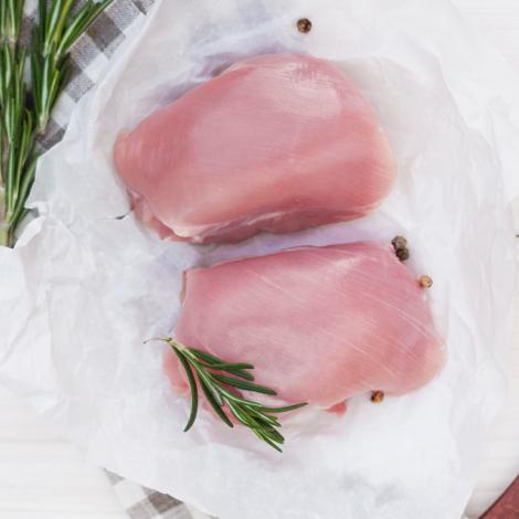 Кусковое мясо бедра цыпленка-бройлера